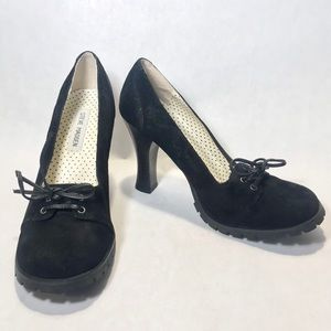 STEVE MADDEN *Rare* Black Pearr Leather Shoes Sz 7